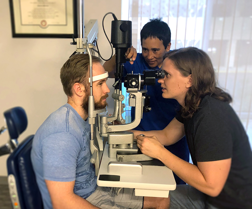Dr. Ross teaching medical students at the Global Retina Institute